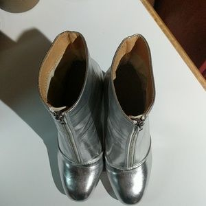 Wild Diva Shoes - Wild Diva Lounge Silver Boots
